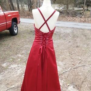 Jordan Dresses - Formal Dress Prom / Bride's Maid